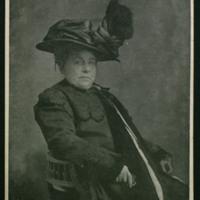 Tarjeta postal con una fotografía de la baronesa de Wilson, dirigida a Narciso Alonso Cortés